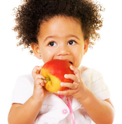 kid with apple meal for kids